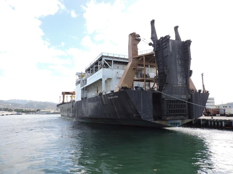 Nave della marina USA arenata al largo della costa giapponese