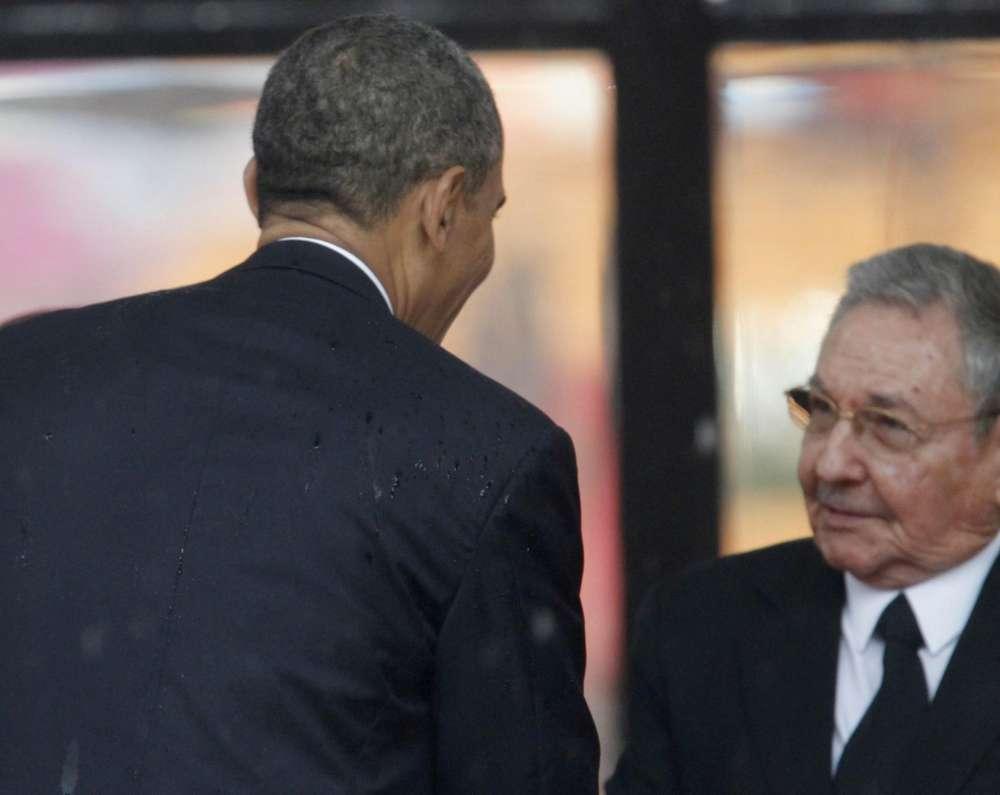 Fidel Castro sostiene i colloqui diplomatici con gli Stati Uniti