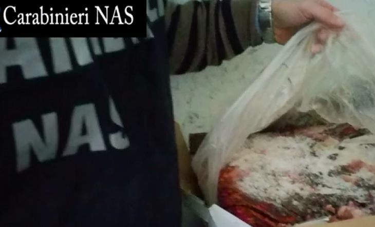 23 Macellai denunciati: spacciavano per carne fresca la carne in decomposizione